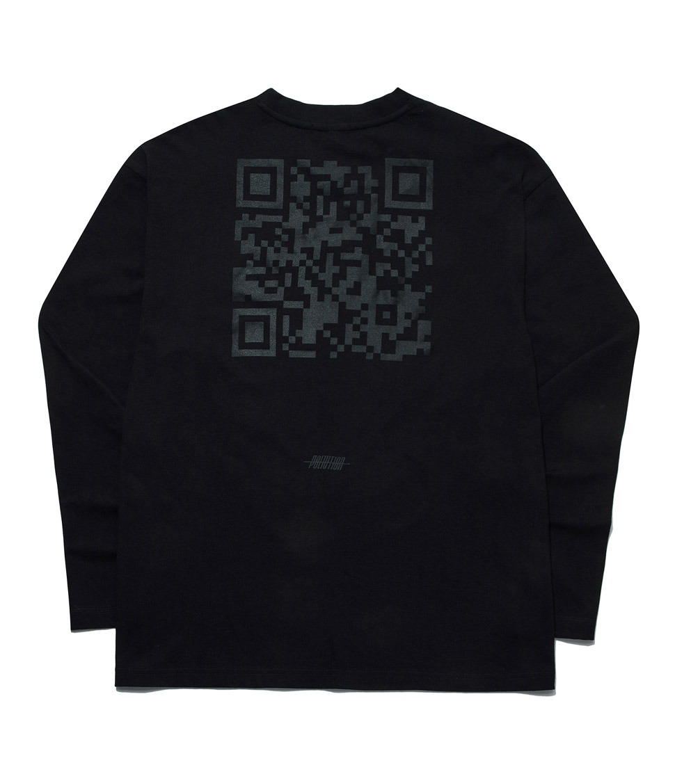 QR CODE LONG SLV T BLACK